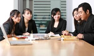 วิธีการเรียนรู้พฤติกรรมของเพื่อนร่วมงานต่างวัย